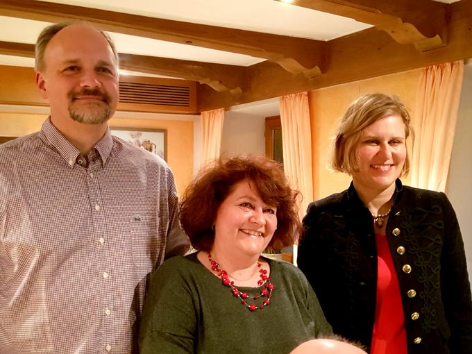 Markus Kubatschka (Unterbezirksvorsitzender), Vera Huschka (Bürgermeisterkandidatin für Immenstadt) und rechts Simone Strohmayr (Landtagsabgeordnete)